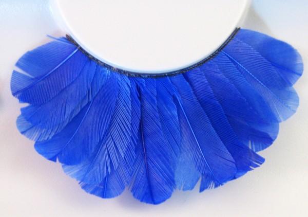 Wimpern, Blaue Federn